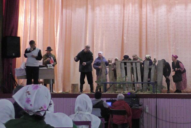 Труппа молодежного православного театра привезла в ИК-5 спектакль по поэме Николая Мельникова «Русский крест»
